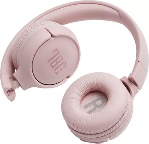 Bezdrátová sluchátka značky JBL