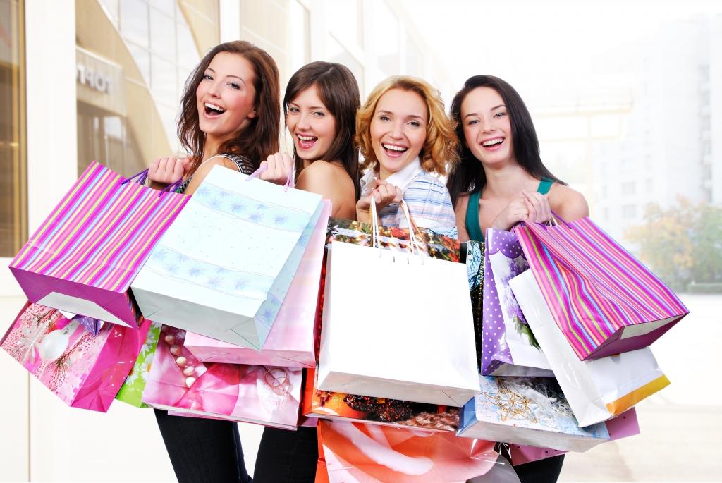 Ženy během nákupu