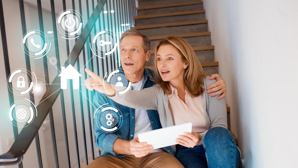 Ovládání chytré domácnosti přes tablet, smartphone