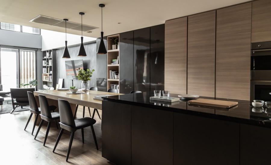 Moderná kuchyňa s plynulým prechodom do obývačky