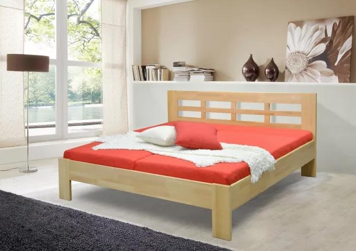 Dřevěná postel z masivu Vegas