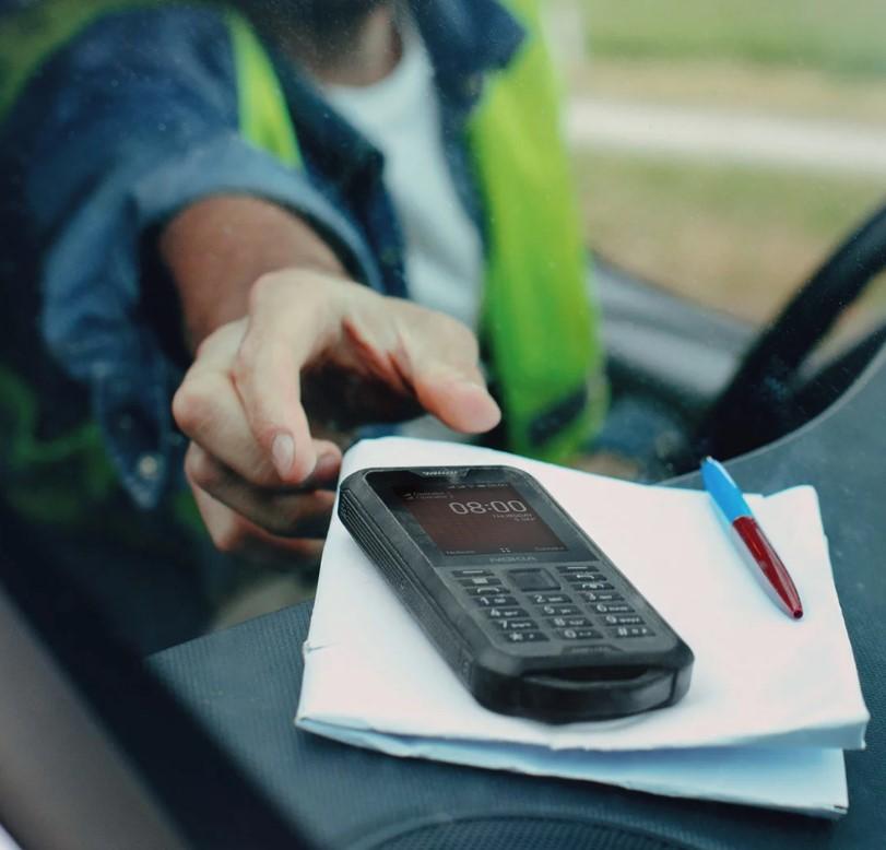 Odolný mobilný telefón Nokia 800 4G DS