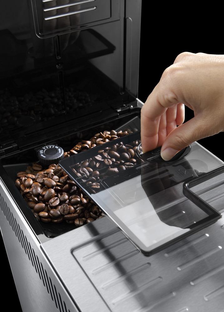 Mlynček na kávu DéLonghi ETAM36.365 PrimaDonna XS DeLuxe