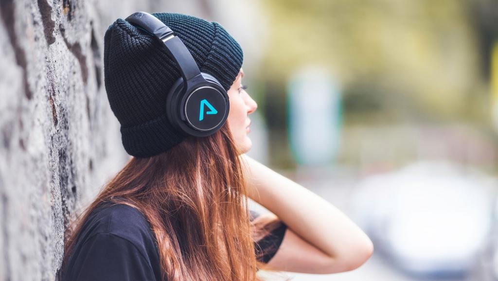 Bluetooth slúchadlá cez hlavu Lamax Muse1