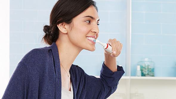 Elektrická zubná kefka Oral-B Smart 4 4000N Cross Action