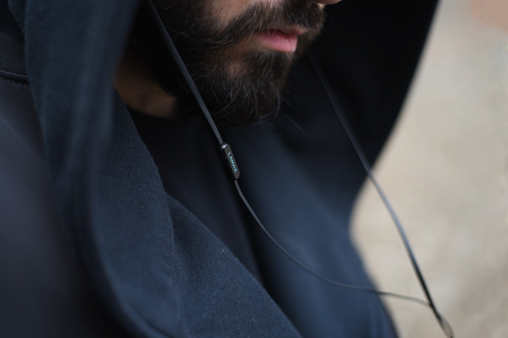 Sluchátka do uší LAMAX Spire1