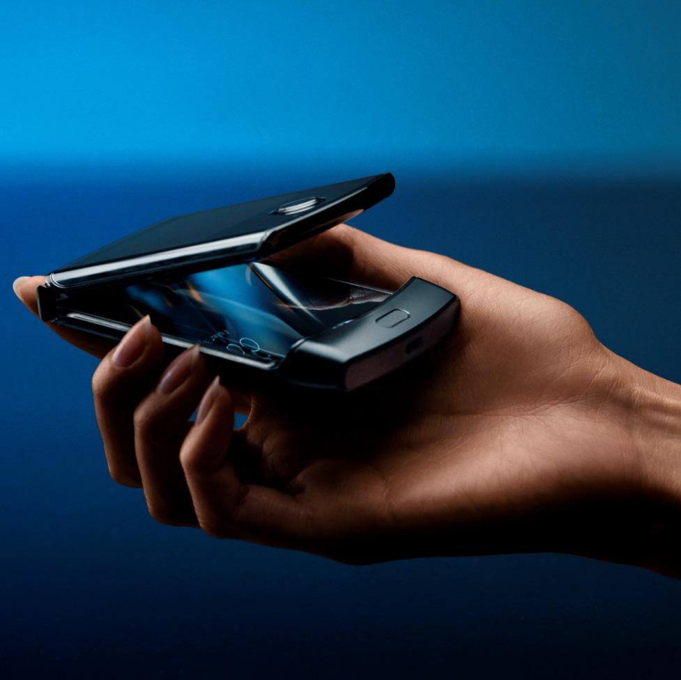 Mobilní telefon Motorola Razr eSIM