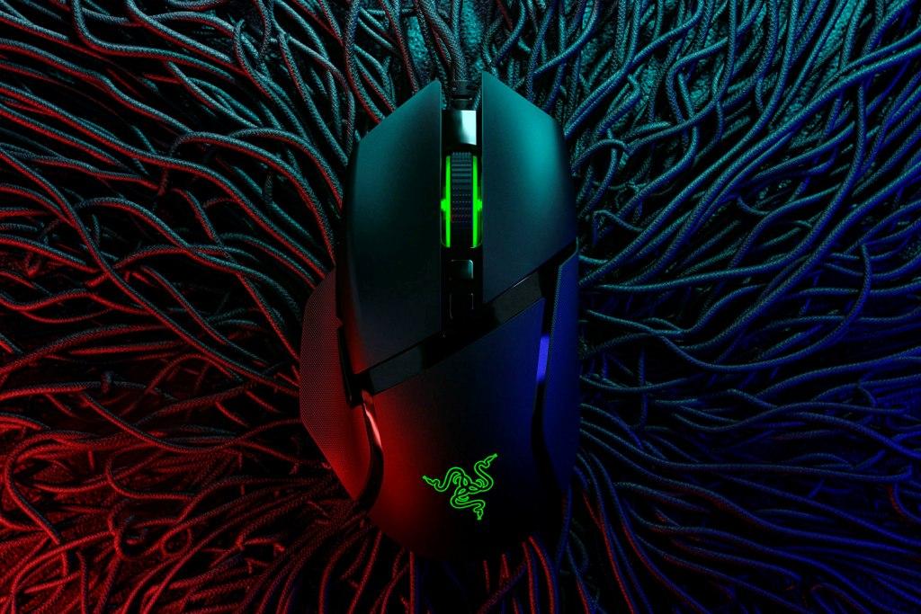 Drátová herní myš Razer Basilisk V2