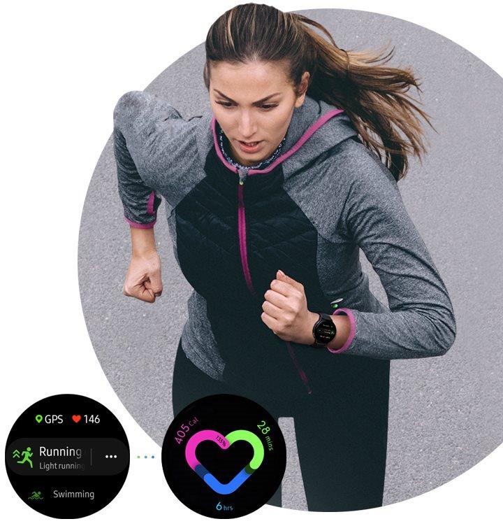 Žena behá s dámskymi inteligentnými hodinkami