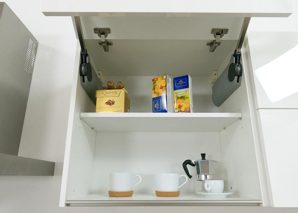 Kuchyně Eugenie - detail systému Aventos