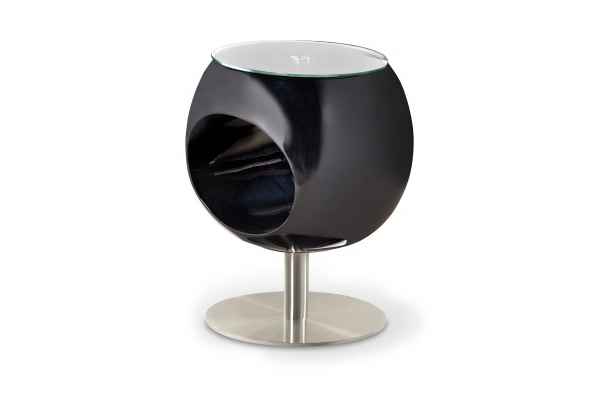 konferenční stolek s převládající černou barvou