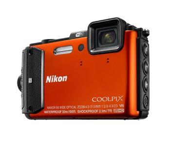 Digitální kompakt Nikon COOLPIX AW130 orange outdoor kit