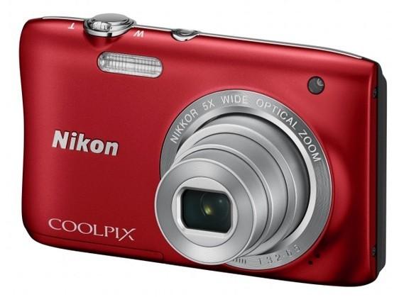 Digitální kompakt NIKON COOLPIX S2900 - 20,1 MP, 5x zoom - Red + case + 4GB