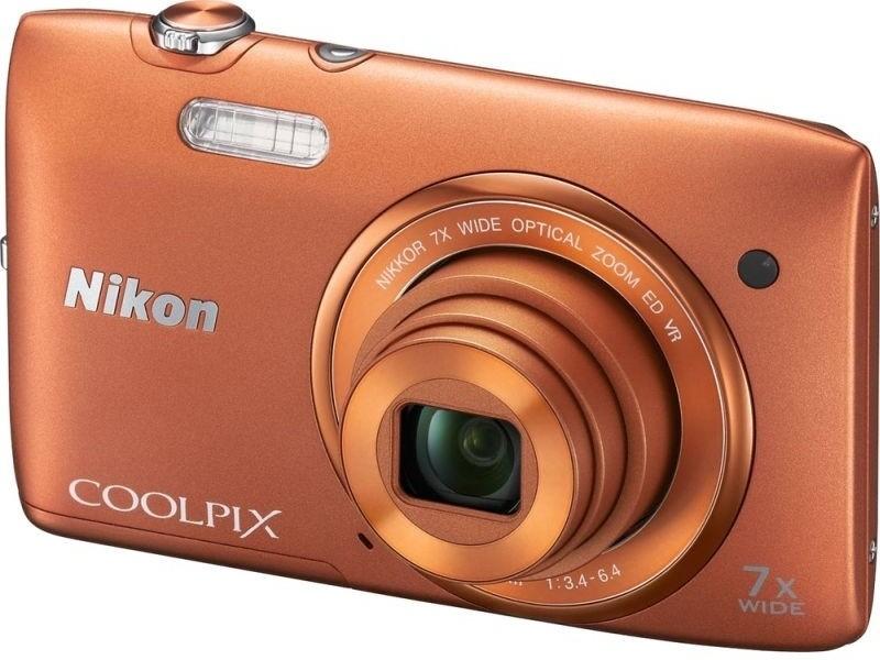 Digitální kompakt Nikon COOLPIX S3500 orange + pouzdro Nikon