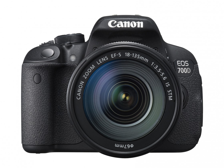 Digitální zrcadlovka Canon EOS 700D Body zrcadlovka 18.0MPix + 18-135mm IS STM