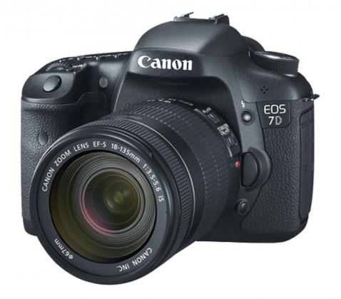 Digitální zrcadlovka Canon EOS 7D + EF-S 18-135 IS