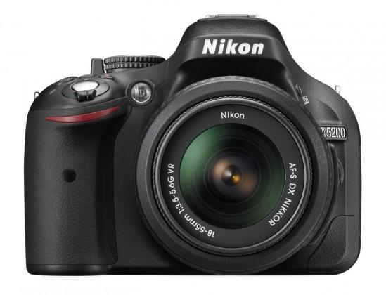 Digitální zrcadlovka NIKON D5200 + 18-55 AF-S DX VR II + 55-200 AF-S VR