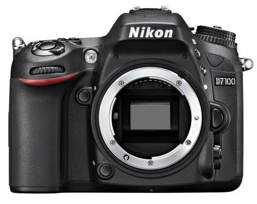 Digitální zrcadlovka Nikon D7100 tělo