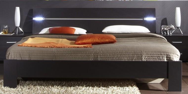 Dřevěná Madrid - Postel 180 cm (lava černá)