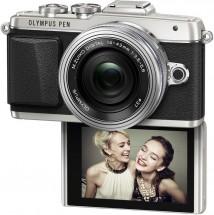 Fotoaparát Olympus PEN E-PL7, stříbrná + objektiv 14-42 mm EZ