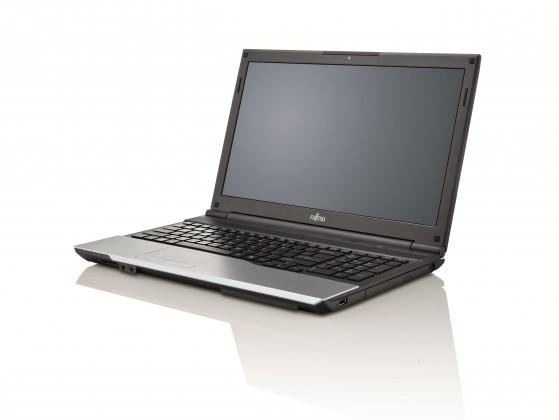 Fujitsu Lifebook A532 černá-stříbrná (VFY:A5320MPAC1CZ)