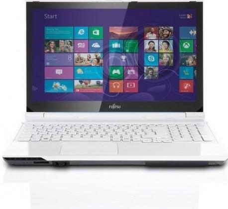 Fujitsu Lifebook AH562 černá (VFY:AH562M55A1CZ)