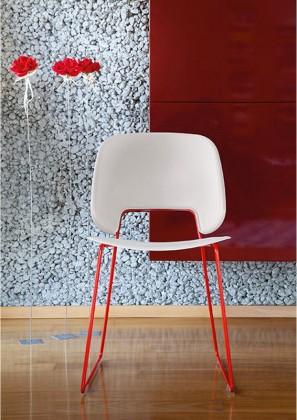 Jídelní židle Traffic-t - Jídelní židle (lak červený mat, plast pískový)