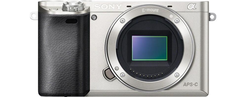 Kompakt s výměnným objektivem Sony Alpha 6000, telo, Silver (ILCE6000S.CEC)