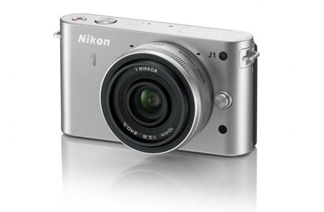Nikon 1 J1 + 10MM F2.8 Silver