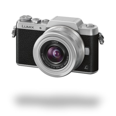 Panasonic Lumix DMC-GF7, černo-stříbrná