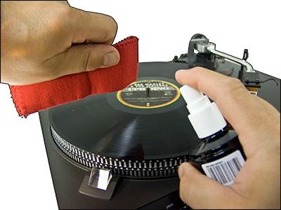 Příslušenství ke gramofonům Sprej s utěrkou Static Cleaner 6075