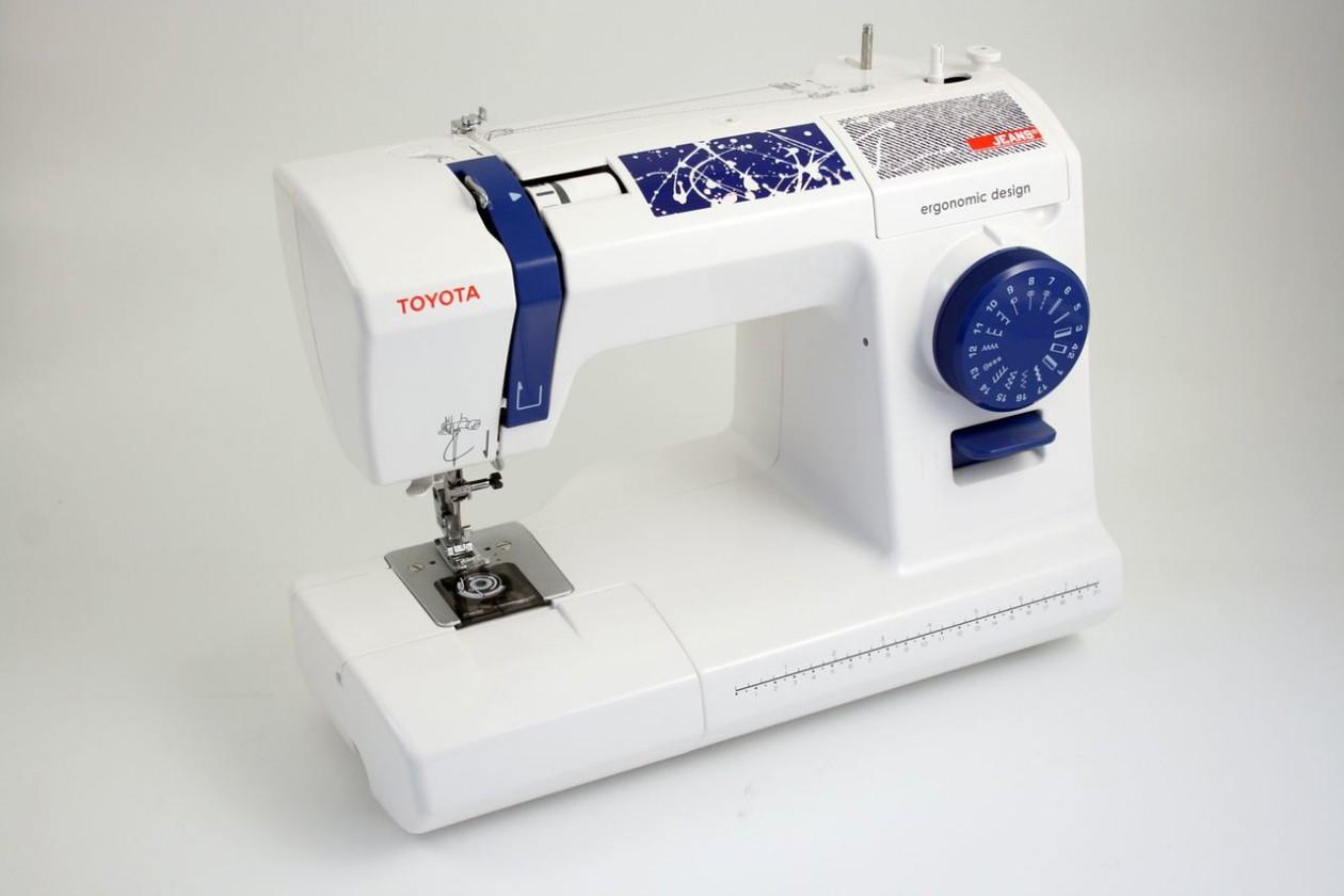 Šicí stroj Šicí stroj Toyota Jeans 17C