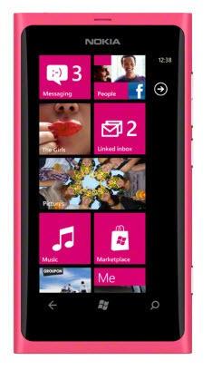 Základní telefon Nokia Lumia 800 Matt Magenta (růžová)