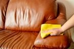 Čištění kožené sedačky a péče o ni